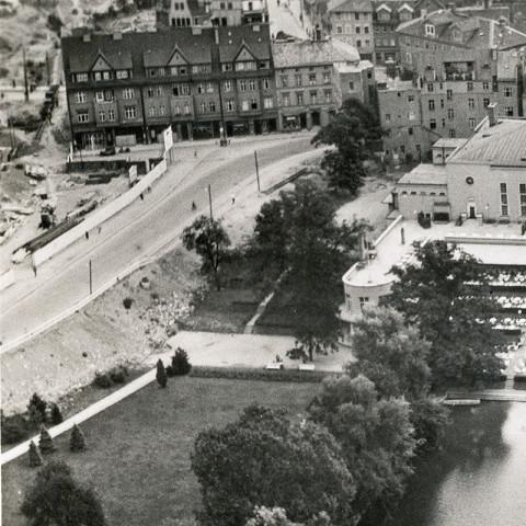 Weimarhallenpark— Luftbild 1938 (zwischen Ende Januar und Ende Mai) Nr.49995/38, Verlag Industrie-Fotogr. Klinke & Co., Stadtarchiv Weimar 65-0/3